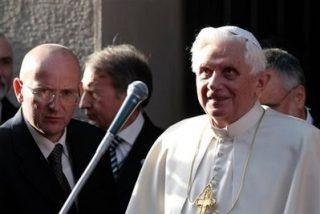 Giani, el ex 007 que amortiguó la caída del Papa