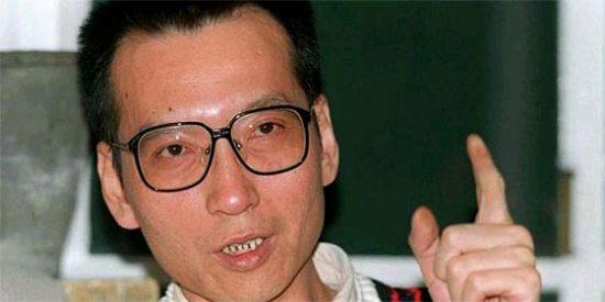 China condena a 11 años de cárcel al disidente Liu Xiaobo
