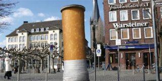 Prohibir el fumar para estimular el vicio