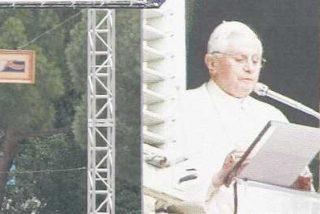 """Benedicto XVI: """"La familia es la mejor escuela de valores"""""""
