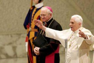 El Papa dice que la Iglesia Católica debe dialogar también con los ateos