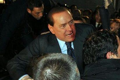 Un columnista de 'Público' se alegra de la agresión a Berlusconi