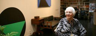 Nonagenaria, con artritis y confinada en su casa, conquista la escena artística de NY