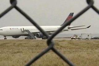 Un terrorista de Al Qaeda intenta volar un avión con 278 pasajeros a bordo