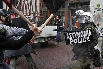 Son ya cinco los españoles en los violentos disturbios en Grecia