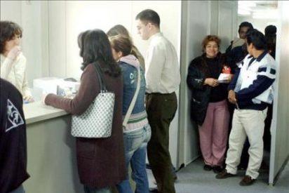 Los inmigrantes que abandonan Cataluña aumentan un 20,5% por la crisis