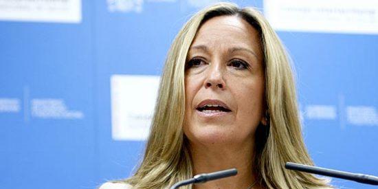 Trinidad Jiménez anuncia que no se podrá fumar en espacios públicos cerrados en 2010
