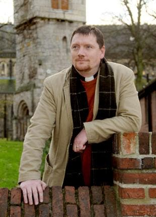 Un clérigo inglés recomienda robar sólo en las grandes cadenas comerciales