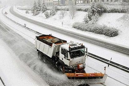El temporal de frío y nieve obliga a cerrar once puertos de montaña