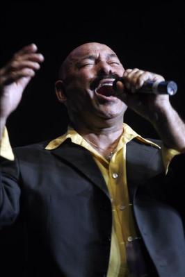 Salsero Óscar D'León sufre un infarto