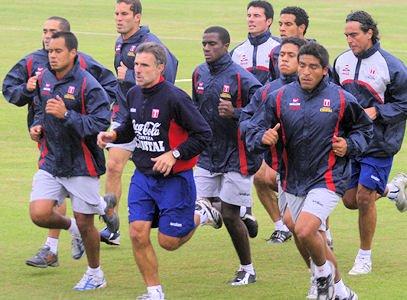"""Selección peruana de fútbol """"atrapada"""" en Madrid"""