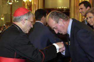 La ultraderecha eclesiástica se lanza a por el Rey