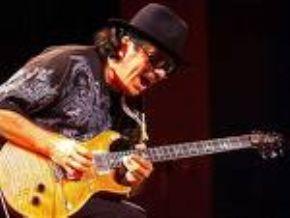 Santana dejará la música para convertirse en cura