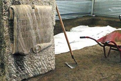 "La ""fosa"" de Lorca: 70.000 euros para encontrar dos latas de atún"