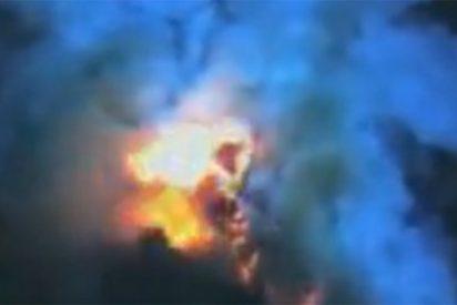 Impresionante erupción volcánica a 1.000 metros bajo el mar
