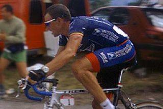 Lance Armstrong ofrece recompensa por su bicicleta robada