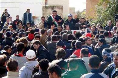 Senado italiano aprueba que los médicos denuncien a los inmigrantes indocumentados