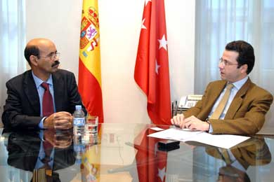 Fernández-Lasquetty se ha entrevistado con el ministro de Cooperación saharaui, Salek Baba