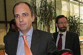 Dimite el presidente de la comisión de investigación de espionaje en Madrid