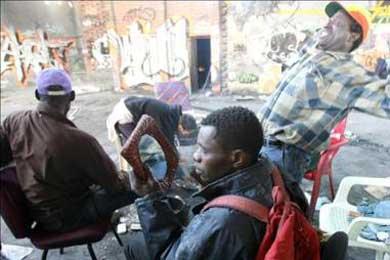 Los negros panafricanos de Barcelona denuncian un acoso policial racista
