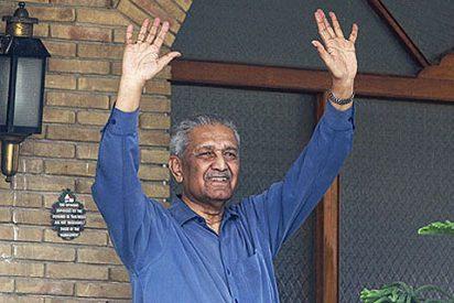 Pakistán libera al padre de la bomba nuclear de su arresto domiciliario