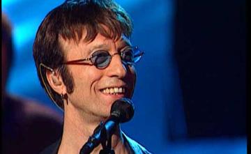 Robin Gibb, ex miembro de los «Bee Gees»,tiene un hijo de su ama de llaves
