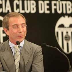Estafan un millón de euros al presidente del Valencia
