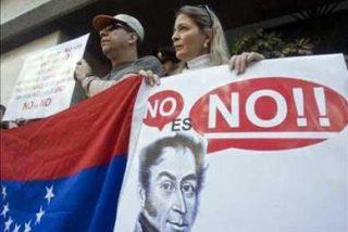 """Venezolanos en México llaman a votar contra la """"dictadura legalizada"""" en el referendo"""