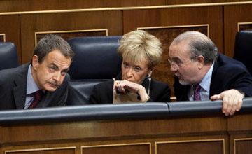 """Rajoy, a un ZP sonámbulo: """"¿Quién es ahora el apocalíptico y catastrofista?"""""""