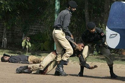 El Ejército paquistaní reconquista la academia policial asaltada por terroristas islámicos