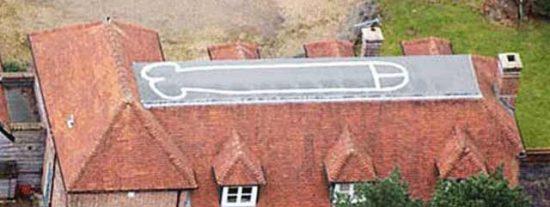 Dibuja un pene gigante en su tejado para los usuarios de Google Earth