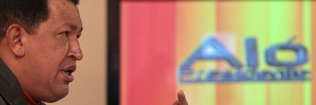 El Gorila Hugo Chávez arremete ahora contra la Coca-Cola