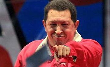 """Hugo Chávez reorganiza su Gobierno para ser """"más eficaz"""""""