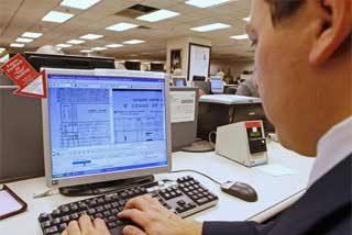Finlandia permitirá a los jefes espiar los correos de sus trabajadores