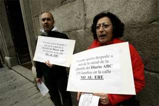 Los trabajadores de ABC se concentran en contra del ERE