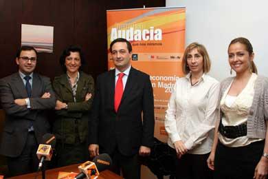 Grupo Intereconomía convoca la II Edición de los Premios a las Iniciativas Inmigrantes