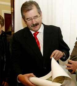 Dimite el subdelegado del Gobierno en Lugo acosado por la trama de las multas