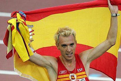 El atleta José Luis Blanco sale detrás de los cacos y recupera a la carrera dos bolsos robados