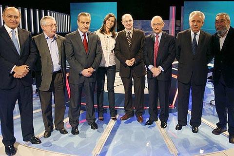 """El popular Montoro acusa a la patronal CEOE de """"lanzar flores al Gobierno ZP"""""""