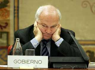 El ministro Moratinos se queda sin mayordomo