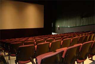 El cine español pierde espectadores año tras año: en 2008, 1,5 millones menos