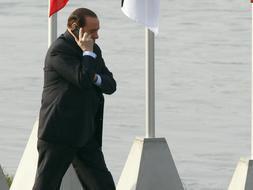 ¿Con quién hablaba Berlusconi?