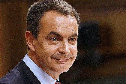Zapatero devalúa todas sus promesas para no quedarse solo en el Congreso