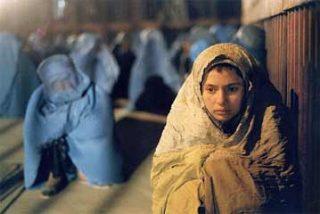 Dos jóvenes afganos, como Romeo y Julieta