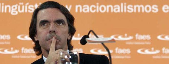 """Aznar: """"En España, a los ex presidentes, más que estimularles se les dispara"""""""