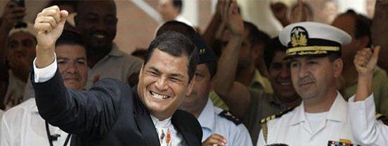 El presidente Correa imita a Chávez y anuncia la
