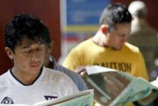 Más de 180.000 emigrantes ecuatorianos votarán en el exterior el domingo