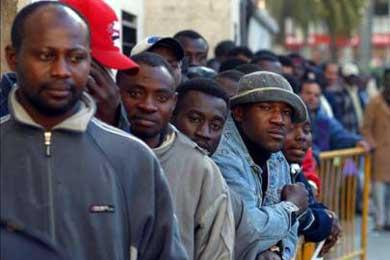 Más de 350 inmigrantes piden asilo político en Ceuta por miedo a la expulsión