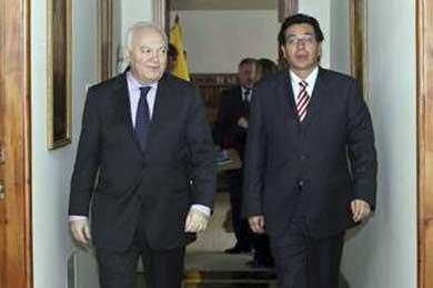 Moratinos aclarará hoy con su colega ecuatoriano el asunto de la nacionalidad