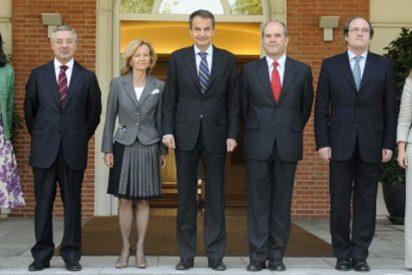 Más campaña de imagen: ZP castiga a sus nuevos ministros sin vacaciones